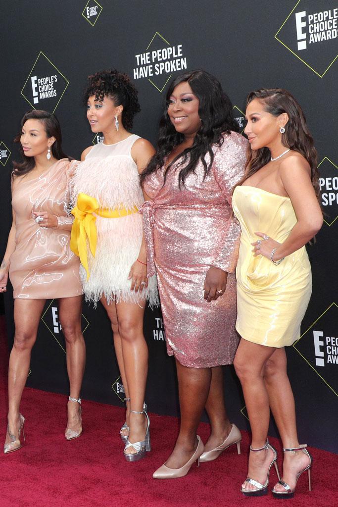 The Real, Aidrian Bailon, Loni Love, Jeanie Mai, Tamara Mowry-Housley, pink, dress, People's Choice Awards