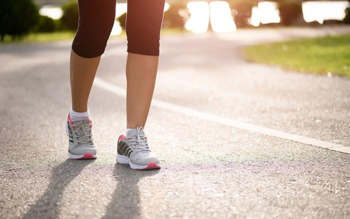 best-extra-wide-walking-shoes-women