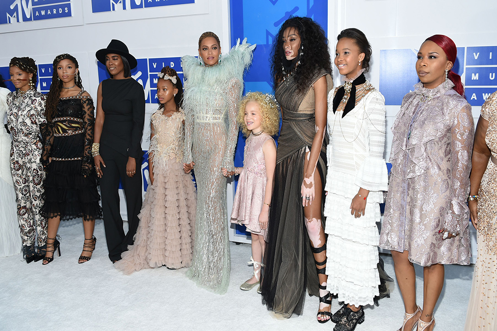 Halle Bailey, from left, Chloe Bailey, Beyonce, Winnie Harlow, Quvenzhane Wallis and Lesley McFadden arrive at the MTV Video Music Awards at Madison Square Garden, in New York2016 MTV Video Music Awards - Arrivals, New York, USA