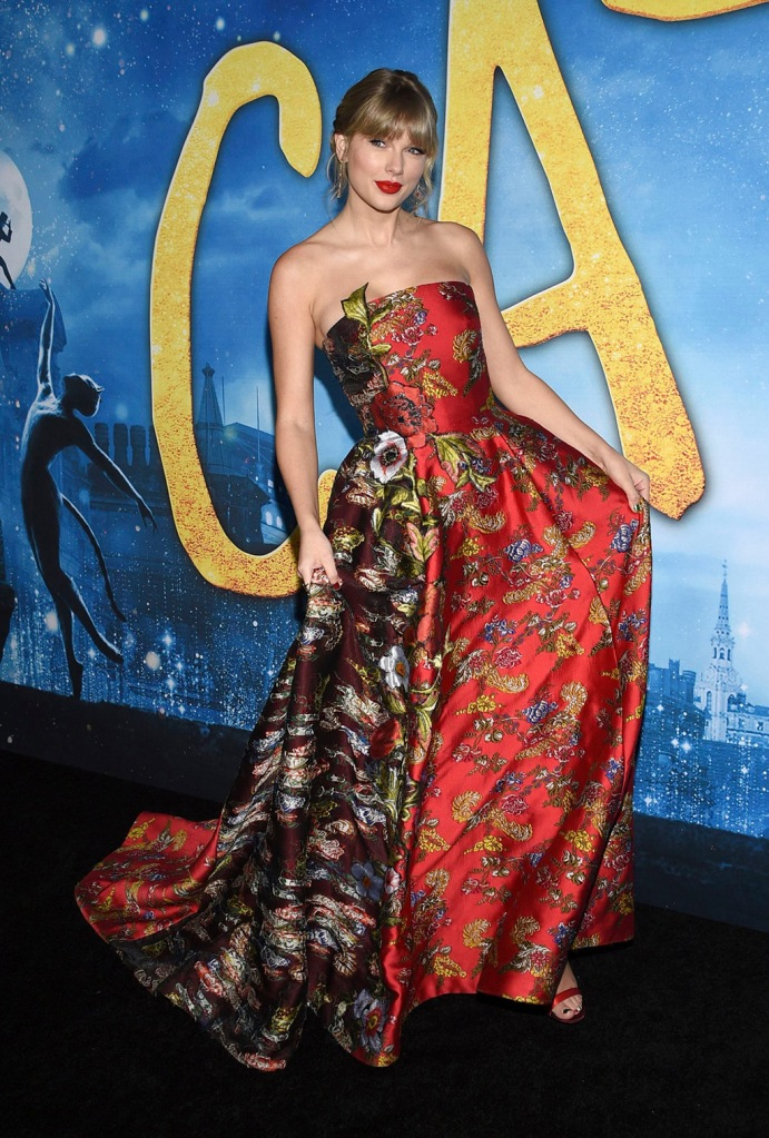 "Taylor Swift, oscar de la renta, floral gown, chloe gosselin shoes, satin sandals, attends the world premiere of ""Cats"" at Alice Tully Hall, in New YorkWorld Premiere of ""Cats"", New York, USA - 16 Dec 2019"