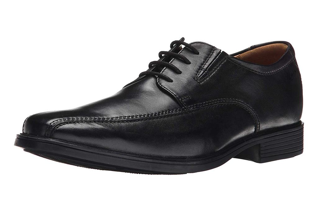 clarks walking shoes