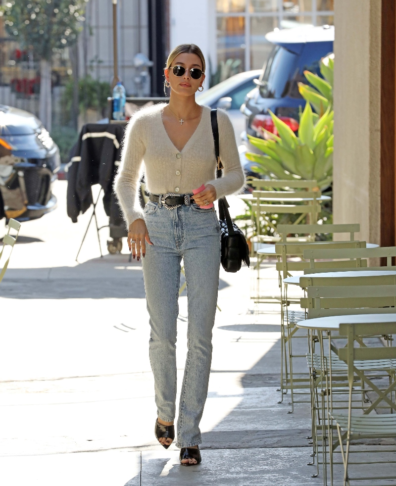 hailey baldwin, hailey bieber, pointed-toe heels, pointy mules, los angeles, sweater, jeans
