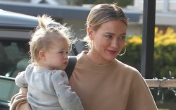 Hilary Duff, celebrity style, daughter, banks,
