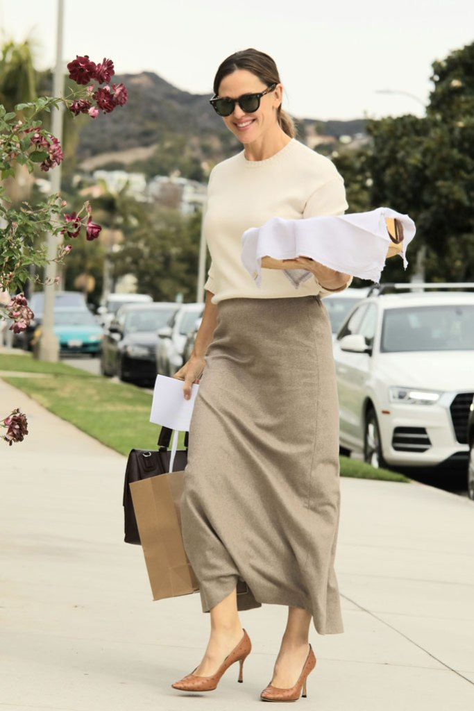 Jennifer Garner, cream sweater, beige midi skirt, neutrals, flowers, church, los angeles, december 2019,