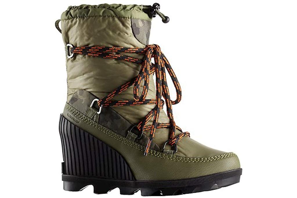 sorel kinetic wedge boot