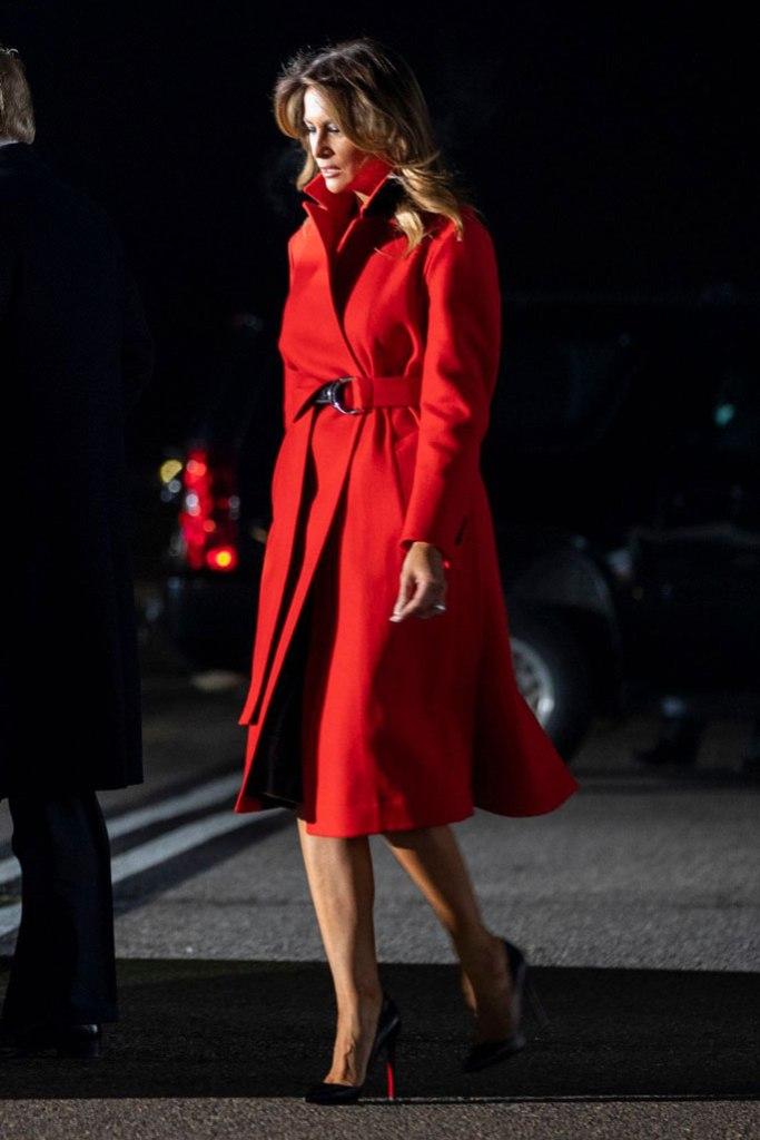 Melania Trump, london, flight, christian louboutin shoes, stilettos, so kate, classic black pumps, red coat,