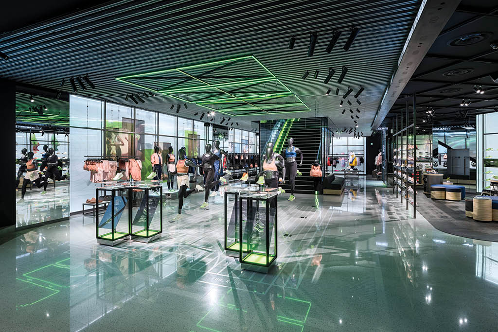 posición semilla Universidad  Two Nike Stores 5,000 Miles Apart Say A Lot About the Brand's Future –  Footwear News
