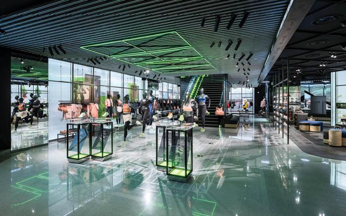 Mejorar Disminución Hamburguesa  Two Nike Stores 5,000 Miles Apart Say A Lot About the Brand's Future –  Footwear News
