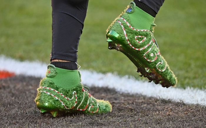 obj, grinch cleats, Cleveland Browns wide receiver Odell Beckham Jr.'s cleats are shown before an NFL football game against the Baltimore Ravens, in ClevelandRavens Browns Football, Cleveland, USA - 22 Dec 2019