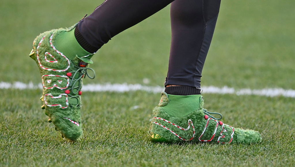 OBJ, green shoes, grinch cleats, christmas shoes, Cleveland Browns wide receiver Odell Beckham Jr.'s cleats are shown before an NFL football game against the Baltimore Ravens, in ClevelandRavens Browns Football, Cleveland, USA - 22 Dec 2019