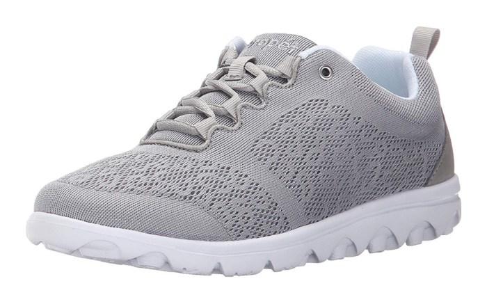 propet walking shoes