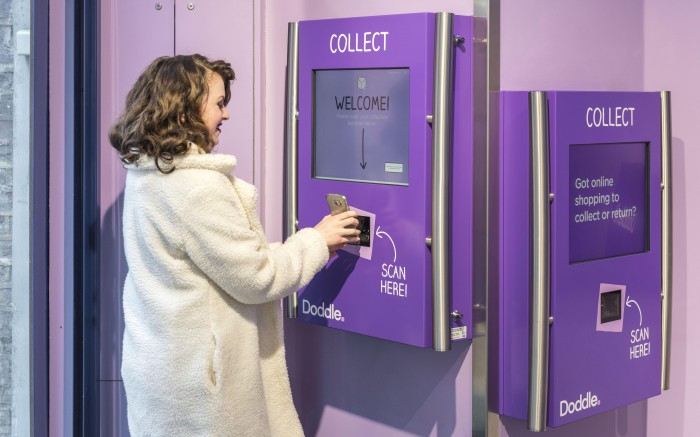 This Valentine's Day one in two British women would prefer to pick up a parcel than pick up a partner according to research from Doddle, the click and collect service