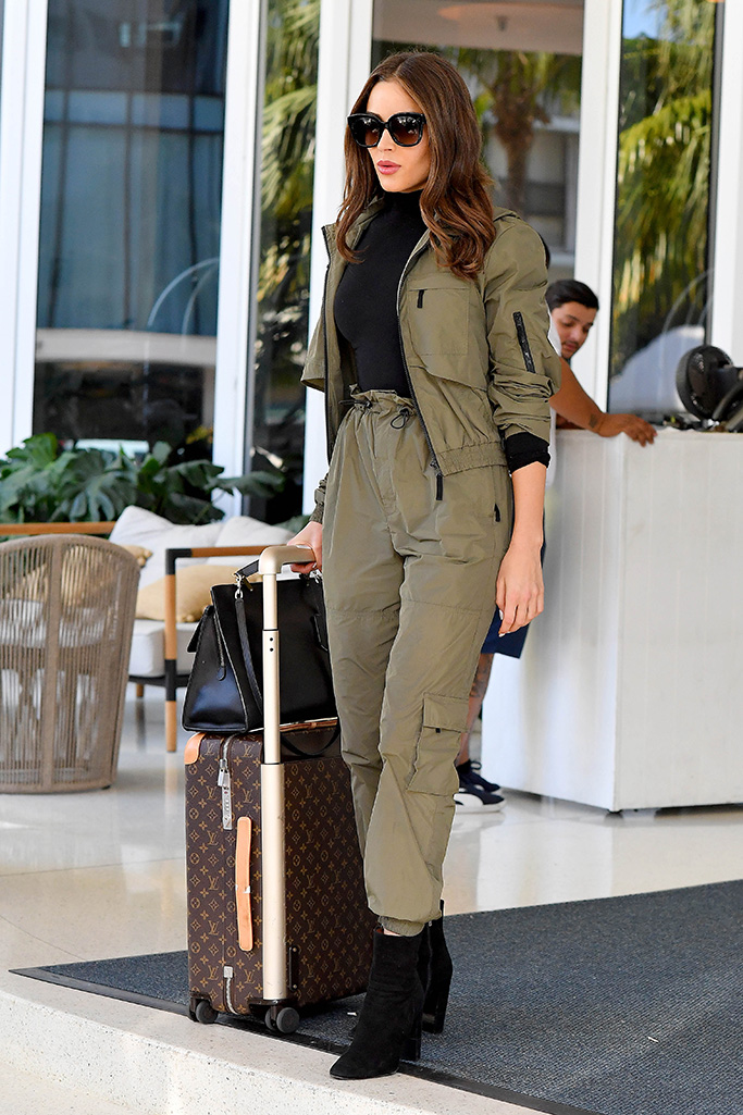 Olivia Culpo wears a green sweatsuit while leaving her hotel in Miami Beach, Florida.Pictured: Olivia CulpoRef: SPL5134193 061219 NON-EXCLUSIVEPicture by: Robert O'Neil / SplashNews.comSplash News and PicturesLos Angeles: 310-821-2666New York: 212-619-2666London: +44 (0)20 7644 7656Berlin: +49 175 3764 166photodesk@splashnews.comWorld Rights