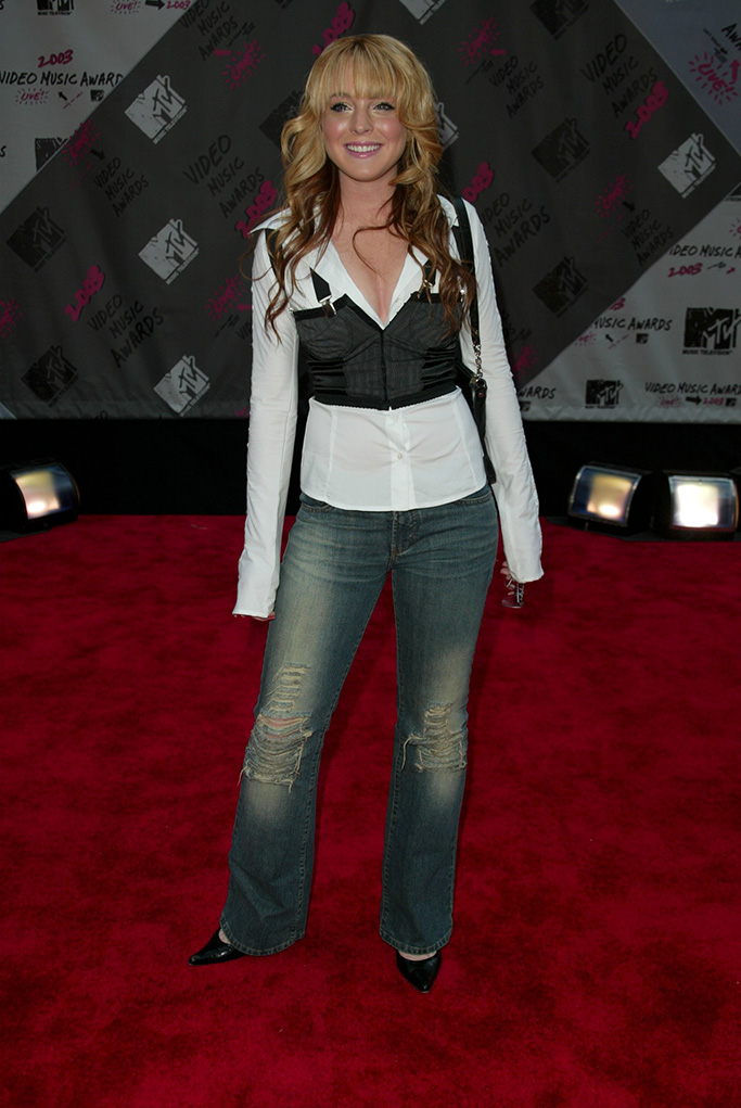 Lindsay Lohan, MTV Music Video Awards, 2003, shoes and fashion of the 2000s