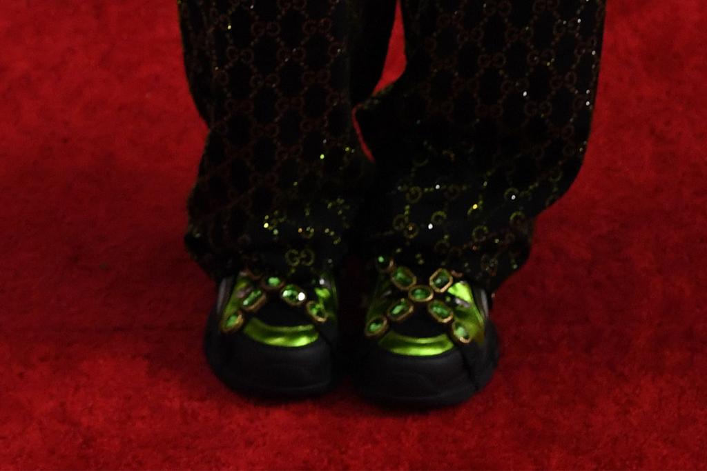 billie eilish, grammy awards, 2020, gucci, green, sneakers