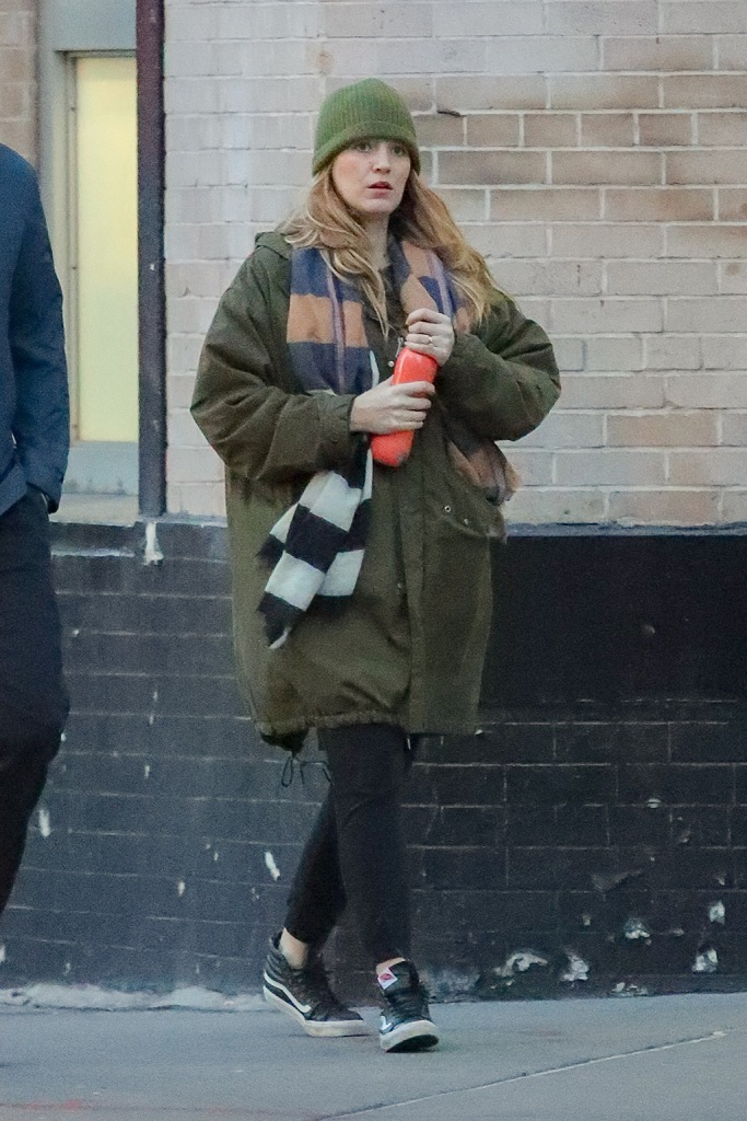 Blake Lively, vans sneakers, leggings, green coat, beanie, celebrity style, nyc, and Ryan Reynolds were spotted arm-in-arm while taking stroll in New York City, Blake was spotted drinking her beveragePictured: Blake Lively,Ryan ReynoldsRef: SPL5140574 150120 NON-EXCLUSIVEPicture by: Felipe Ramales / SplashNews.comSplash News and PicturesLos Angeles: 310-821-2666New York: 212-619-2666London: +44 (0)20 7644 7656Berlin: +49 175 3764 166photodesk@splashnews.comWorld Rights, No Belgium Rights, No France Rights