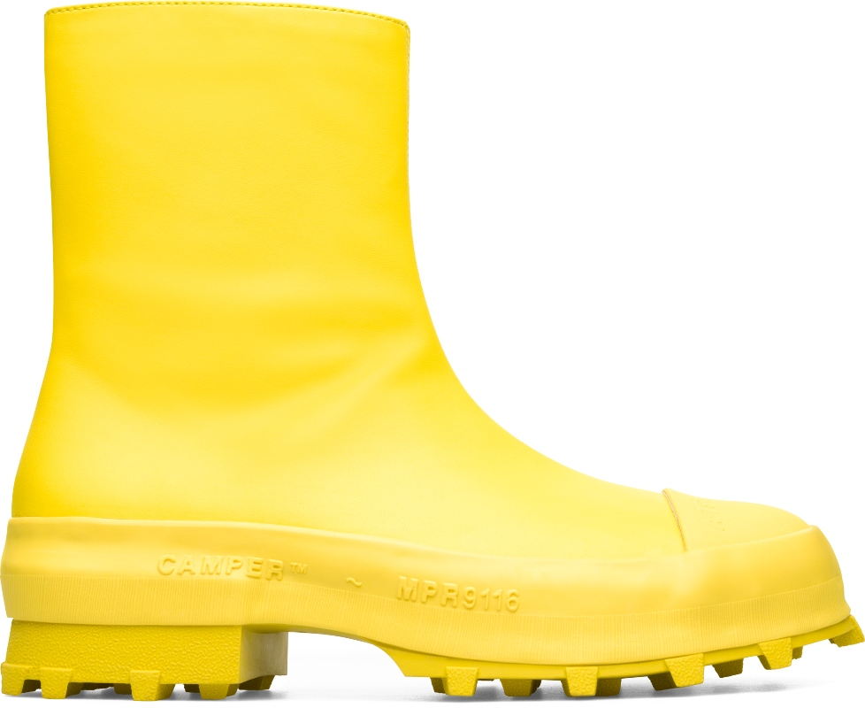 camper lab, fall 2020, yellow boots