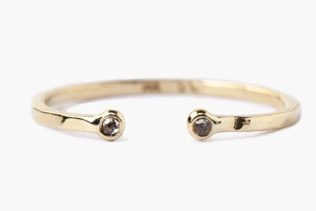 chan luu, toe ring, gold, diamond