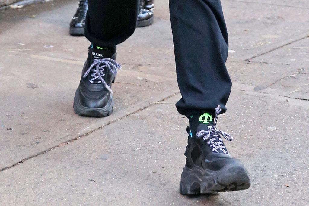 Dua Lipa, prada, pegasus sneakers, all black sneakers, street style, nyc