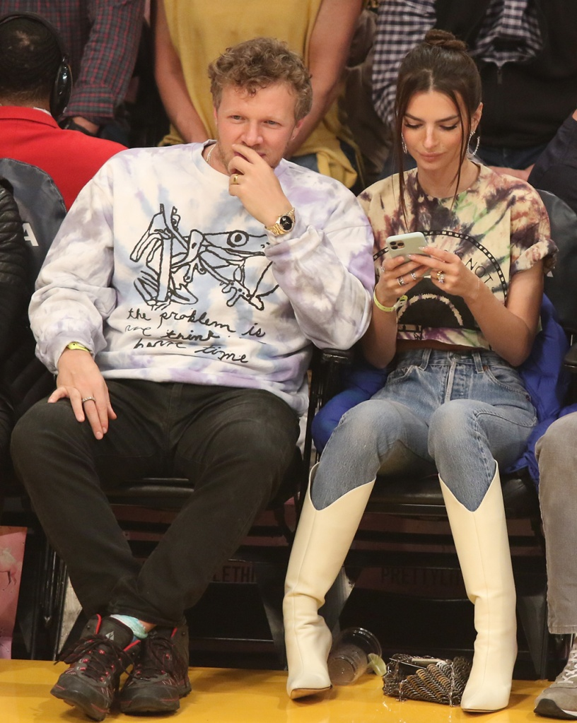 emrata, magda butrym, white boots, jeans, tie dye shirt, celebrity style, courtside, Model Emily Ratajkowski and husband Sebastian Bear-McClard attends a basketball game between The Los Angeles Lakers Vs the Cleveland Cavaliers at the Staples Center in Los Angeles, CaPictured: Emily Ratajkowski,Sebastian Bear-McClardRef: SPL5140019 130120 NON-EXCLUSIVEPicture by: London Entertainment / SplashNews.comSplash News and PicturesLos Angeles: 310-821-2666New York: 212-619-2666London: +44 (0)20 7644 7656Berlin: +49 175 3764 166photodesk@splashnews.comWorld RightsModel Emily Ratajkowski and husband Sebastian Bear-McClard attends a basketball game between The Los Angeles Lakers Vs the Cleveland Cavaliers at the Staples Center in Los Angeles, CaPictured: Emily Ratajkowski,Sebastian Bear-McClardRef: SPL5140019 130120 NON-EXCLUSIVEPicture by: London Entertainment / SplashNews.comSplash News and PicturesLos Angeles: 310-821-2666New York: 212-619-2666London: +44 (0)20 7644 7656Berlin: +49 175 3764 166photodesk@splashnews.comWorld Rights
