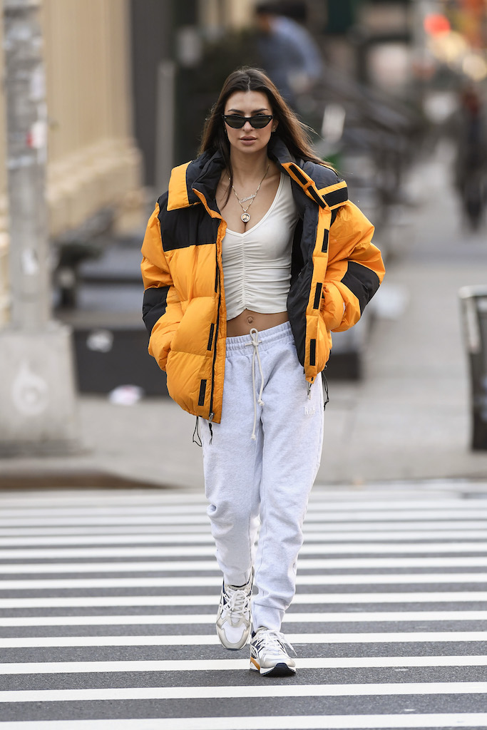 Emily Ratajkowski spotted taking a morning walk heading to work in new york city this morning Pictured: Emily Ratajkowski Ref: SPL5137859 020120 NON-EXCLUSIVE Picture by: Elder Ordonez / SplashNews.com Splash News and Pictures Los Angeles: 310-821-2666 New York: 212-619-2666 London: +44 (0)20 7644 7656 Berlin: +49 175 3764 166 photodesk@splashnews.com World Rights, No Portugal Rights