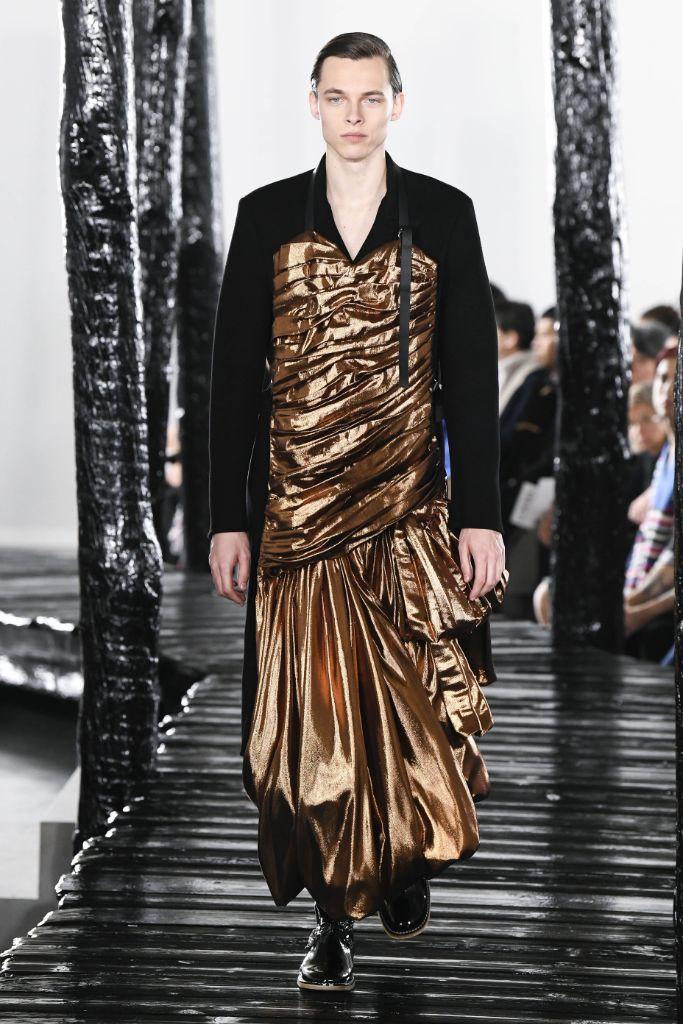 fall 2020 men's, loewe, men's dresses, gender fluidity