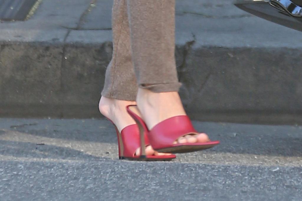 Hailey Baldwin, bottega veneta, red sandals, square toes, pedicure, toes, celebrity style, street style, los angeles,