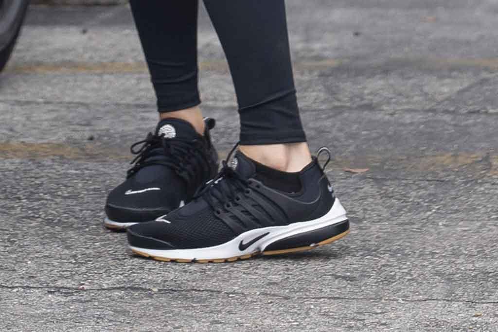 Nike Air Presto, black sneakers, leggings, j-lo, jennifer lopez, street style, miami , gym