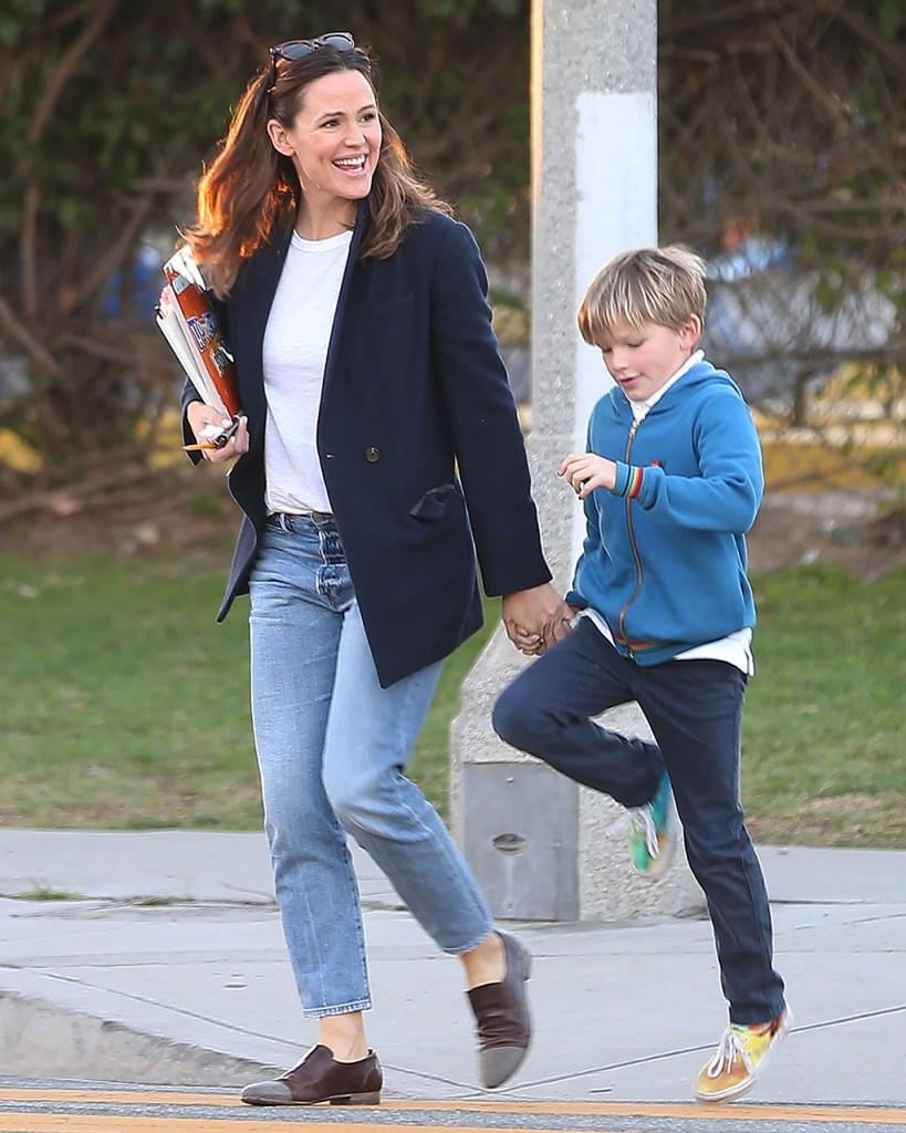 Jennifer Garner, mom jeans, brown loafers, blazer, son, Samuel AffleckJennifer Garner out and about, Los Angeles, USA - 06 Jan 2020