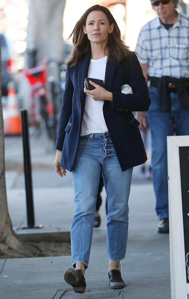 Jennifer Garner, mom jeans, navy blazer, white t shirt, brown loafers, celebrity style, Jennifer Garner out and about, Los Angeles, USA - 06 Jan 2020