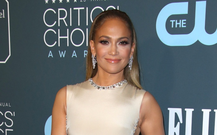 jennifer-lopez-critics-choice-awards-3