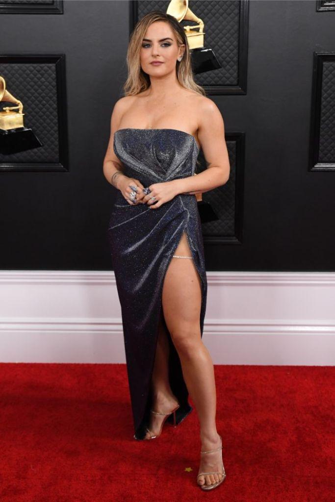 jojo, grammy awards, red carpet, celebrity style, sparkling dress, legs