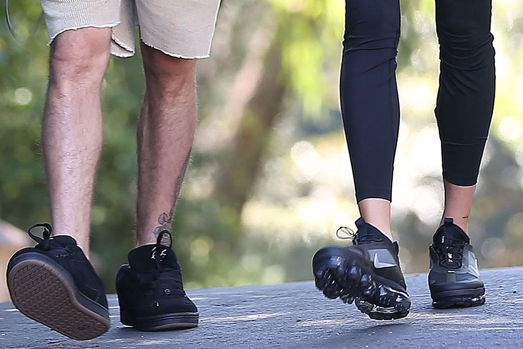 Justin Bieber, hailey baldwin, nike air vapormax sneakers, leggings, los angeles, street style