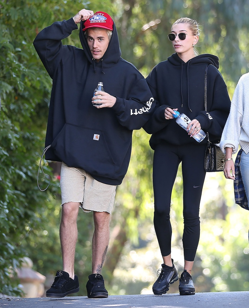 Justin Bieber, hailey baldwin, leggings, t by alexander wang hoodie, nike leggings, nike air vapormax, Hailey BieberJustin Bieber and Hailey Bieber out and about, Los Angeles, USA - 12 Jan 2020Justin Bieber, Hailey BieberJustin Bieber and Hailey Bieber out and about, Los Angeles, USA - 12 Jan 2020