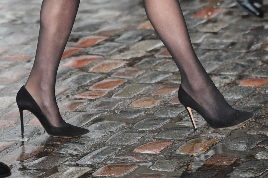 Kate Middleton, black suede pumps, stockings, legs, celebrity style, shoe detail, london, duchess of cambridge