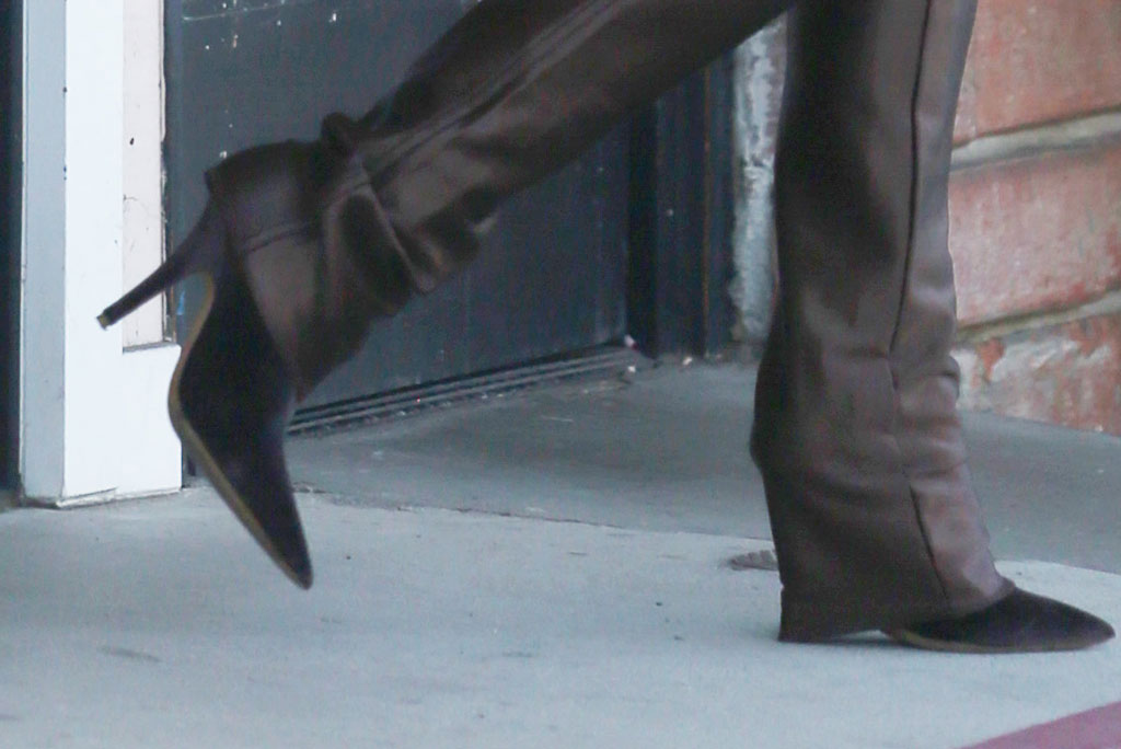 Kim Kardashian, balenciaga knife boots, celebrity style, kuwtk, street style, los angeles