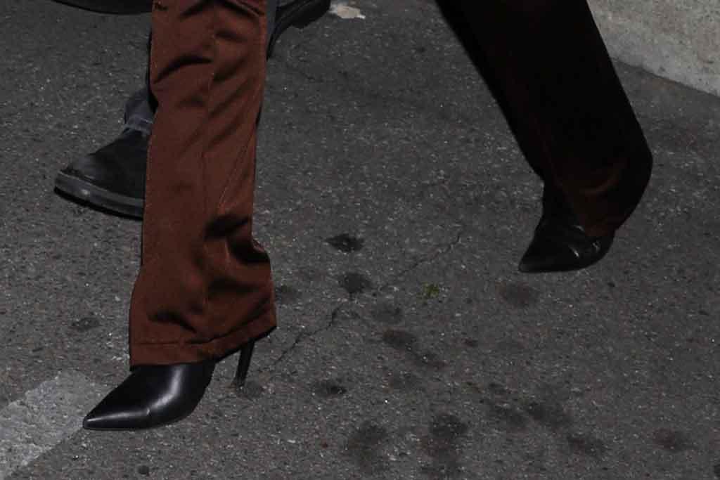 Kourtney Kardashian, black boots, pointy toe shoes, stilettos, street style, los angeles, january 2020