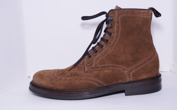 Lo White, hiker boots