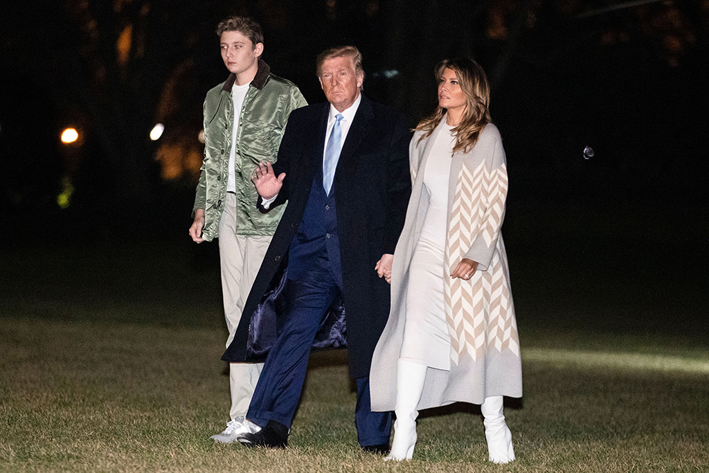 US President Donald Trump (C), First Lady Melania Trump (R) and their son Barron Trump (L) arrive at the White House in Washington, DC, USA, 05 January 2020. Trump returned to the White House after spending two weeks at Mar-a-Lago for holidays.President Trump arrives back at the White House, Washington, Usa - 05 Jan 2020