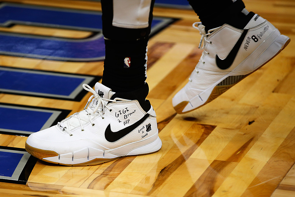 Montrezl Harrell Kobe Bryant Tribute, Undefeated x Nike Kobe 1 Protro, shoes, sneakers, Gianna Bryant
