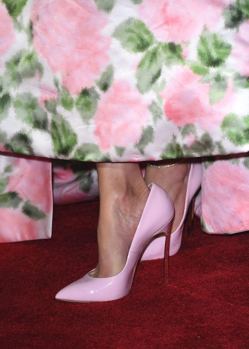 jennifer lopez, richard quinn, palm springs international film festival, pink heels, floral dress