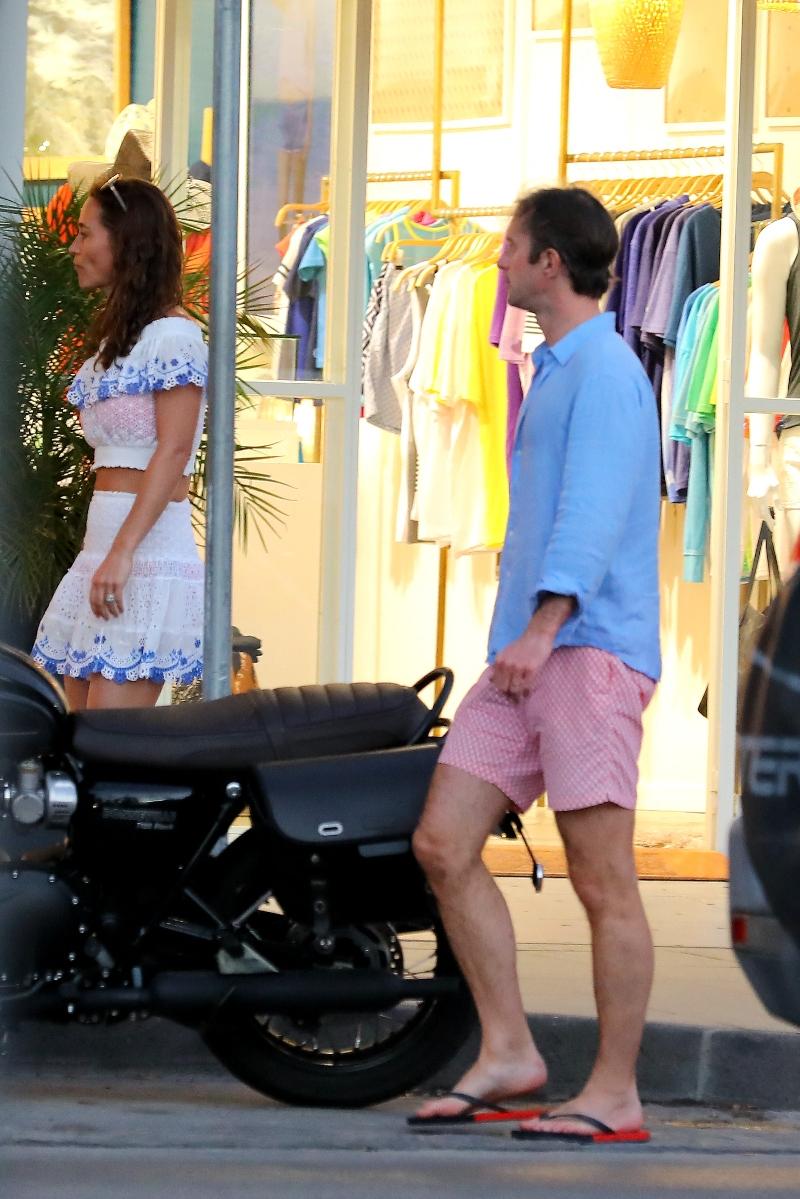 james middleton, pippa middleton, ice cream, st barths, white set, blue shirt, pink shorts