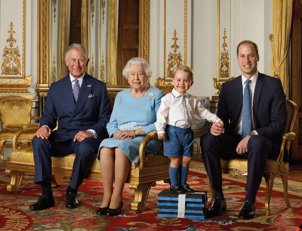 Prince George, Prince Charles, Queen Elizabeth II, Prince William, royal family, portrait, buckingham, 2015