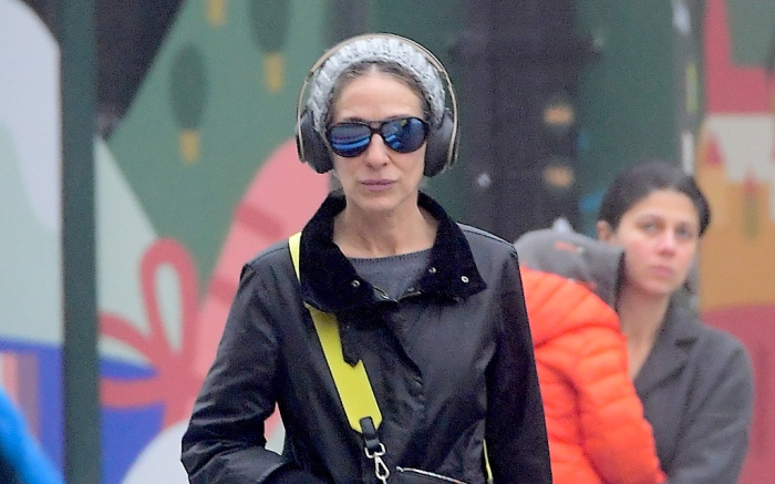 sarah-jessica-parker-boots-rainy-day-incognito
