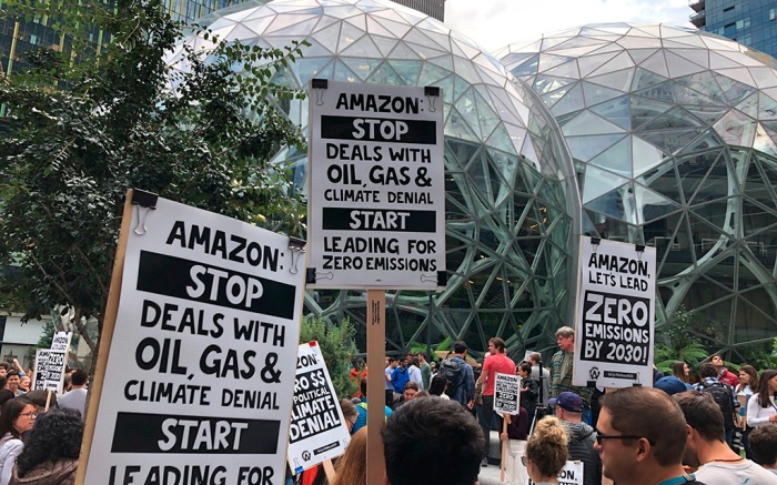 Amazon workers begin to gather in front of the Spheres, participating in the climate strike in Seattle. Employee activism and outside pressure have pushed big tech companies like Amazon, Microsoft and Google promising to slash their carbon emissions. Microsoft and other tech giants have been competing to strike lucrative partnerships with ExxonMobil, Chevron, Shell, BP and other energy firmsBig Tech Big Oil, Seattle, USA - 20 Sep 2019