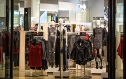 H and M store