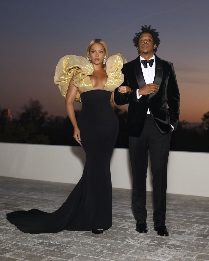 Beyoncé, Jay z, golden globes, celebrity style, schiaparelli, custom gown, celebrity style, red carpet, 2020