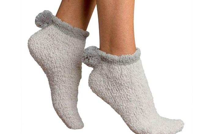 pom pom socks for women