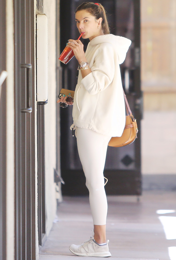 Alessandra Ambrosio going to her dermatologist in Santa Monica Alessandra Ambrosio out and about, Los Angeles, USA - 20 Feb 2020