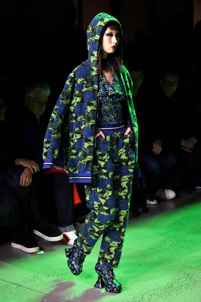 Model, Anna Sui Fall/Winter 2020, NYFW, john fluevog, flared heel trend